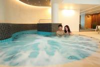 Hotel Palota jacuzzi in Heviz, discount wellness weekend in Hungary, in Palace Hotel Heviz