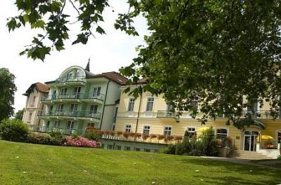 Hotel Spa Heviz - four-star discount hotel with half board, panoramic view to the Thermal Lake Heviz - Hotel Spa*** Heviz - discount Spa Thermal Hotel in the near of Thermal Lake Heviz